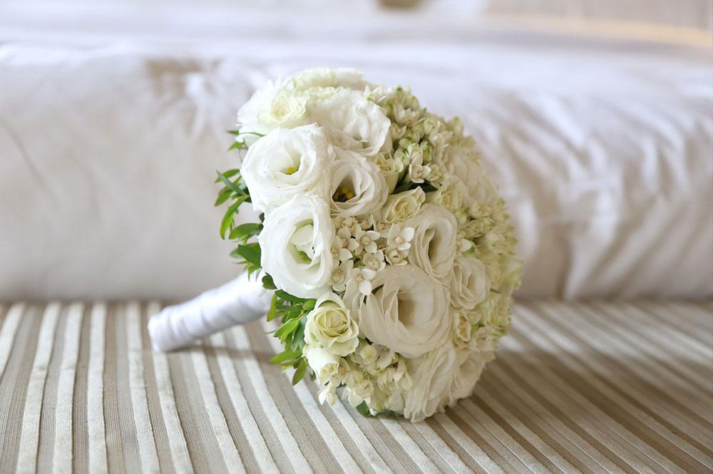 Bouquet di Lisiantus Fiori di Arancio e Rose Ramificate